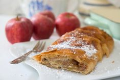 Sauerkraut, Schnitzel, Bratwurst, Strudel, and lots more! Learn about German food specialties. Find German food in your area. Apple Recipes, New Recipes, Cooking Recipes, Favorite Recipes, German Recipes, German Bread, German Baking, Christmas Baking, Love Food