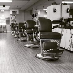 "Despite the economic recession in 2008, the barber shop industry has seen continued positive growth. Training to be a barber is achieved through various means around the world. In the USA, barber training is carried out at ""Barber Schools"". That's our #passion here @associatedbarbercollege #barberschool #becomeabarber #barber #barbershop #sandiegojobs #sandiego #life #lifestyle #passion #sandiegoconnection #sdlocals #downtownsdlocals - posted by Associated Barber College…"