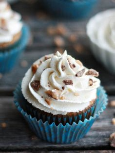 #Cupcake ricoperti di granella alle #noci