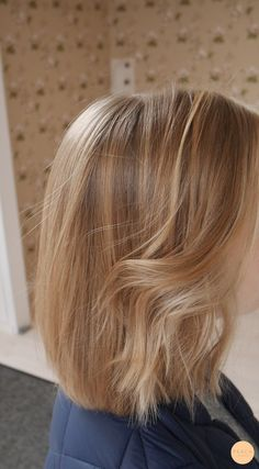 Warm blond lob