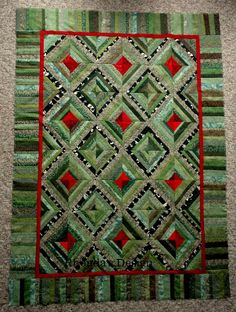 Great String Quilt More Crumb Quilt, Two Color Quilts, Green Quilt, Black Quilt, Quilt Modernen, String Quilts, Colorful Quilts, Log Cabin Quilts, Scrappy Quilts