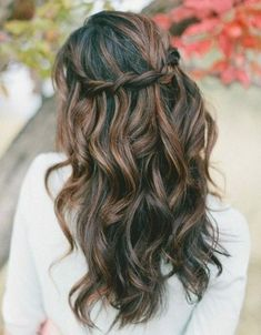 Erstaunlich Großartig coiffure mariage bohème: cheveux avec mèches et tresse cascade, Wedding Hairstyles Thin Hair, Down Hairstyles, Trendy Hairstyles, Braided Hairstyles, Indian Hairstyles, Medium Brown Hairstyles, Short Haircuts, Simple Prom Hairstyles, Hairstyles For Bridesmaids