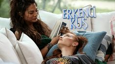 Urmareste serialul turcesc Pasarea matinala Episodul 41 online subtitrat. Producţia cu accente comice va prezenta povestea de dragoste dintre Can şi Sanem. Sanem este o tânără ambiţioasă care se angajează la o agentie de publicitate. Directorul agenţiei, Aziz, are doi băieţi cu personalităţi diferite, Drama, Romantic, Couple Photos, Couples, Movies, Couple Shots, Romantic Things, Dramas, Couple