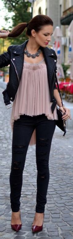 f46a97c03b1 40 Edgy and Chic Outfits For Women