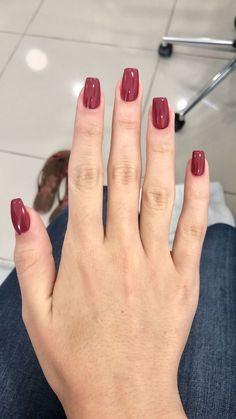 """If you're unfamiliar with nail trends and you hear the words """"coffin nails,"""" what comes to mind? It's not nails with coffins drawn on them. It's long nails with a square tip, and the look has. Aycrlic Nails, Oval Nails, Coffin Nails, Perfect Nails, Gorgeous Nails, Nagel Gel, Best Acrylic Nails, Dream Nails, Trendy Nails"""