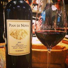 Wine tasting for food bloggers at Il Borro Tuscan Bistro - #ilborroexperience