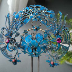 Old Jewelry, Hair Jewelry, Jewelery, Chinese Culture, Chinese Art, Gold Wedding Crowns, Costume Hats, Hairpin, Oriental