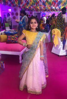 Kids Lehanga Design, Lehanga For Kids, Indian Dresses For Girls, Girls Fancy Dresses, Baby Lehenga, Kids Lehenga Choli, Kids Blouse Designs, Kids Ethnic Wear, Kids Dress Patterns