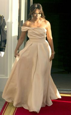 May 13, 2016 FLOTUS is just absolutely stunning. What a beautiful, intelligent, classy woman!