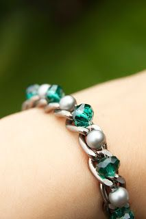 Easy chain, bead and crystal bracelet.