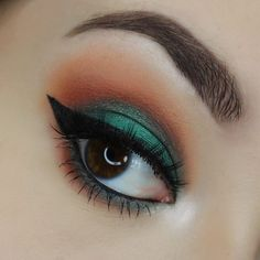Colorful summer look using the Jaclyn Hill X Morphe Palette