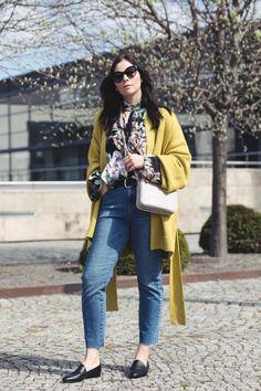 kleidermaedchen-modeblog-fashion-blog-edited-cardigan-nosy-may-jeans-lui-jo-bag-hm-blumenbluse-trendprint-foeljesedel-fruehlings-outfit-7-768x1152.jpg 768×1.152 Pixel