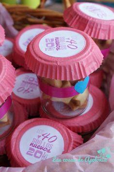 .: Detalles y dulces para una fiesta de los 40