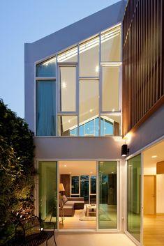 Integrated Field construye HOF: HOME & OFFICE una solución de vivienda de uso mixto que combina actividades residenciales y de trabajo como parte de la solución al problema de movilidad en Bangkok.