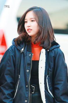 Rain Jacket, Bomber Jacket, Myoui Mina, Windbreaker, Raincoat, Leather Jacket, Jackets, Beauty, Asia