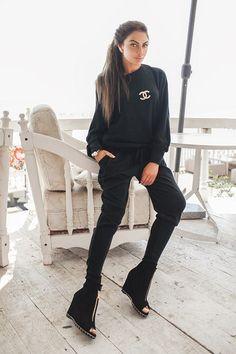 Спортивный костюм Chanel черный