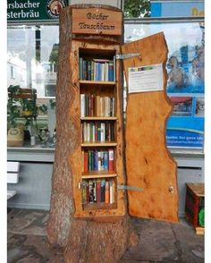 A bookshelf shaped like a tree trunk… what a cut… – … - Bücherregal Dekor