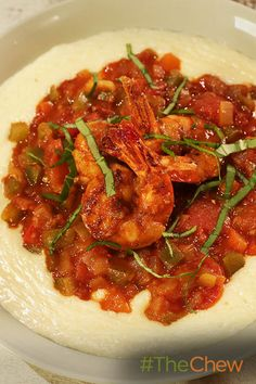 Serve up an easy-to-make taste of the South with this tasty Homecoming Shrimp & Grits recipe!