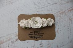 Blanco rosa Garland diadema-fieltro flor diadema - Shabby Chic boda niña de las flores banda