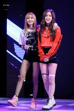 """© on ur day Jennie Lisa, Blackpink Lisa, South Korean Girls, Korean Girl Groups, Blackpink Debut, Kim Jisoo, Black Pink Kpop, Blackpink Photos, Blackpink Fashion"