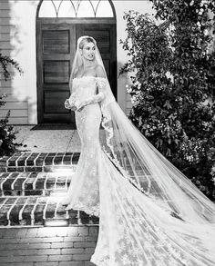 Hailey Baldwin Wedding Dress, Hailey Bieber Wedding, Celebrity Wedding Gowns, Celebrity Dresses, Dream Wedding Dresses, Wedding Dress Styles, Harry Potter Wedding Dress, Mermaid Bridal Gowns, Wedding Week