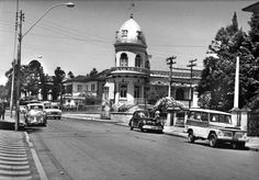 Em 1970, esse era o aspecto da Rua Comendador Araújo esquina com a Presidente Taunay. Entre as mudanças ocorridas está a inversão da mão do tráfego de veículos (Acervo Cid Destefani)