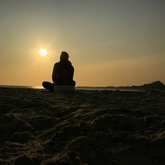 #achterkant mediteren op het strand #synchroonkijken dag 5
