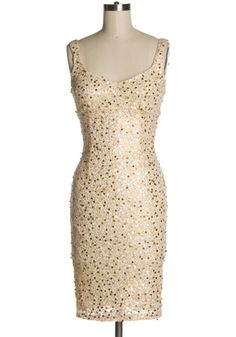 Gold and sequins=perfect combo.