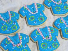 Beach Theme Decorated Sugar Cookies by MartaIngros on Etsy Luau Cookies, Summer Cookies, Cut Out Cookies, Cookies And Cream, Cupcake Cookies, Hawaiian Cookies, Pineapple Cookies, Cupcakes, Cookie Designs