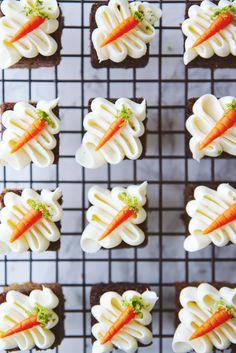 [Pro/Chef] Mini carrot cake bites with marzipan and cream cheese whipped cream! Mini Desserts, Just Desserts, Dessert Recipes, Frosting Recipes, Mini Cakes, Cupcake Cakes, Poke Cakes, Layer Cakes, Mini Carrot Cake