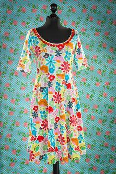 Knielange Kleider - Let me be your sunshine Kurzarm - ein Designerstück von Weiberstyle bei DaWanda dress floral print white multicoloured multikleuren bloemenprint wit jurk