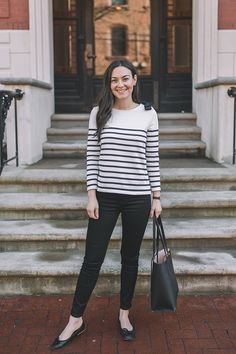 Stripes with a Bow on a Top - Carly the Prepster Simple Outfits, Trendy Outfits, Cute Outfits, Fashion Outfits, Work Fashion, Curvy Fashion, Day Date Outfits, Church Outfits, Cosy Outfit