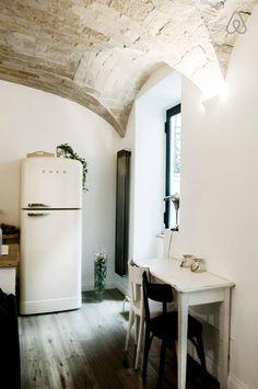 bright design kitchenette