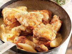 hoenderpeer Pear Fruit, Afrikaans, Pears, Kos, Chicken Wings, Food Inspiration, Protein, Yummy Food, Recipes