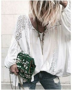 ╰☆╮Boho chic bohemian boho style hippy hippie chic bohème vibe gypsy fashion indie folk the . Bohemian Mode, Boho Gypsy, Hippie Boho, Bohemian Style, Boho Chic, Estilo Hippie Chic, Estilo Boho, Fashion Mode, Look Fashion