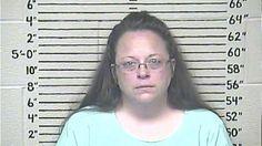 L'opposante au pseudo-mariage homosexuel Kim Davis est en prison à cause de ses convictions religieuses jusqu'à ce qu'elle accepte de se conformer à la loi.