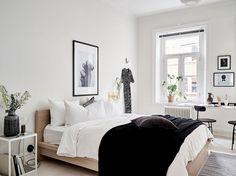 Simple and elegance scandinavian bedroom designs trends (38)