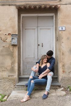 Photo Poses For Couples, Best Photo Poses, Couple Photoshoot Poses, Engagement Photo Poses, Couple Photography Poses, Engagement Couple, Engagement Pictures, Engagement Photography, Pre Wedding Poses