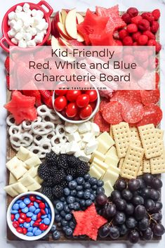 Put together a kid-friendly charcuterie board in 15 minutes! This fun patriotic red white and blue party platter is fun to eat and make! Serve at Memorial Day and of July barbecues. 4th Of July Desserts, Fourth Of July Food, 4th Of July Celebration, 4th Of July Party, July 4th, 4th Of July Camping, Summer Recipes, Holiday Recipes, Party Platters