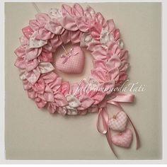 Bellissima la corona petalosa di @fattoamanodatati  #sew #cucito #cucitocreativo #handmade #fattodame #artesanato #artigianato