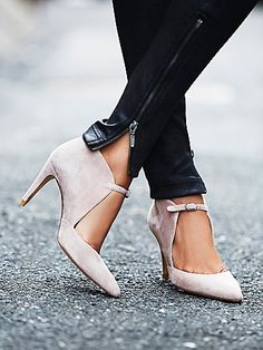 Cerow Heel   Crafted from supple Spanish leather, these heels are perfect for a night out on the town. Featuring pointed toe and adjustable buckle accent along the top for a unique silhouette.