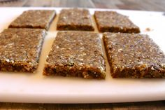 Chia seed protein bars Ingredients 3/4 cup almonds, unsalted 1/4 cup pistachios, unsalted, unshelled 1/4 cup raisins (or dried cranberries) 1 scoop vanilla protein powder (I love this kind) 1 Tablespoon chia seeds 2 Tablespoons unsweetened apple sauce 1 Tablespoon coconut oil