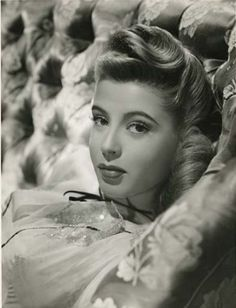 Gloria DeHaven - ) an American actress and a former contract star for… Hollywood Icons, Old Hollywood Glamour, Golden Age Of Hollywood, Vintage Glamour, Vintage Hollywood, Hollywood Stars, Hollywood Actresses, Classic Hollywood, Vintage Beauty