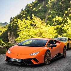 Huracan in the hills 🧡 - - - Credit to  Sports Cars Lamborghini, Lamborghini Huracan, Audi Cars, Luxury Sports Cars, Best Luxury Cars, Sport Cars, Fancy Cars, Cool Cars, Supercars