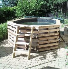 Want to enjoy summers to the fullest? You can use the pallets for it as well by creating a pool where the person can enjoy with the kids. It's a great idea to create a large pool if anyone loves to host pool parties.