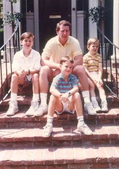 Looking at bright futures: Archie poses for a family photograph with his sons, Cooper (from left), Peyton, and Eli, Peyton Manning Wife, Teen Boy Haircuts, Undercut Men, Pro Football Teams, Sibling Rivalry, New Children's Books, Nfl Season, Win Or Lose, Vintage Football