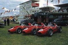 1958 French GP, Reims : Ferrari Entry - Dino 246 #4 Mike Hawthorn (Winner) #6 Wolfgang Von Trips #2 Luigi Musso (photo : CLASSIC VEICULOS)