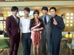 Girls' Generation's Sooyoung poses with the gentlemen from 'A Gentleman's Class'