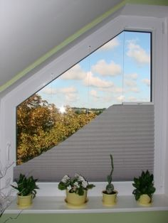 1000 images about triangular window on pinterest window for Rideau fenetre triangle