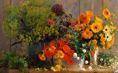 Daca iubesti florile, vei dori sa le ai si in casa, nu numai in gradina. Florariile sunt acum pline de fel si fel de flori, tot ce trebuie sa faci este sa le aduci acasa si sa le aranjezi cu gust in vase decorative. Aranjarea florilor in vase decorative nu este neaparat o sarcina dificila, dar exista niste notiuni de baza care te vor indruma si anumite combinatii de #flori care se potrivesc cel mai bine. #plante #lalele #liliac Liliac, Plants, Decor, Decoration, Plant, Decorating, Planets, Deco